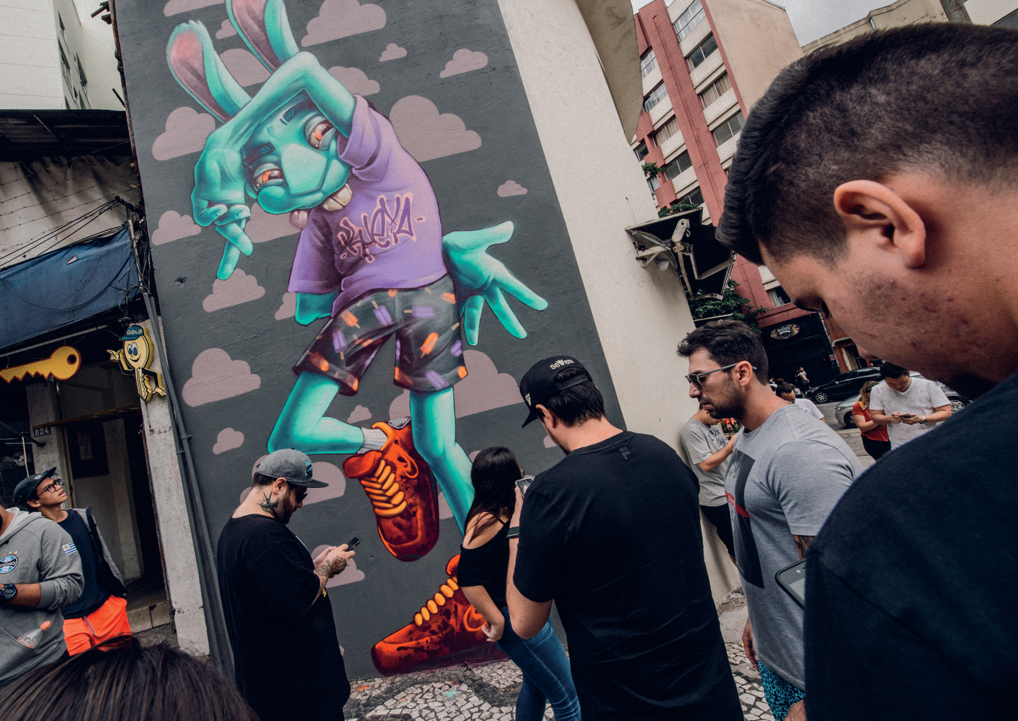 Supporting-Images-Cannes---Air-Max-Graffiti-Stores-2